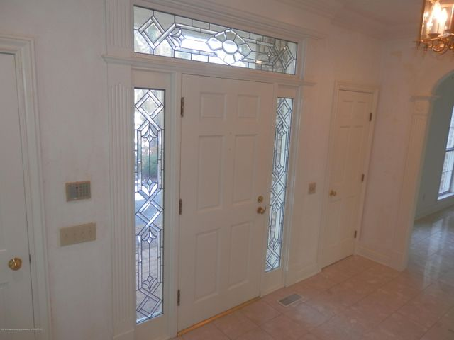 1401 Dennison Rd - Double coat closets in foyer - 4
