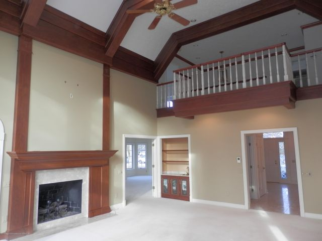 1401 Dennison Rd - 2 story great room - 10