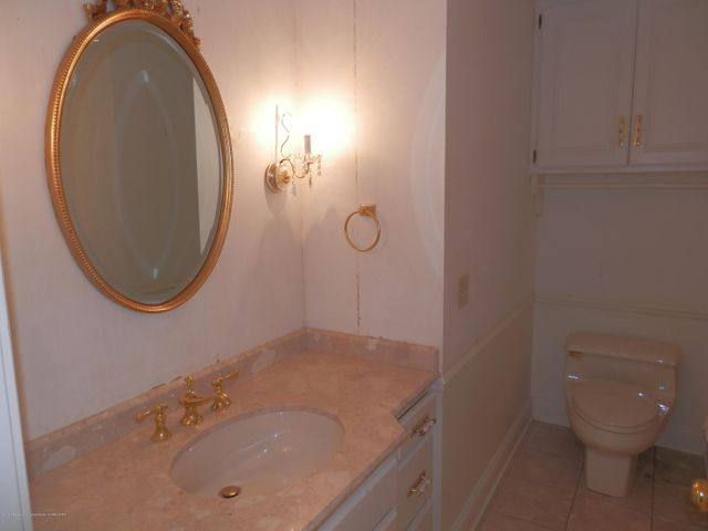 1401 Dennison Rd - Powder room - 22