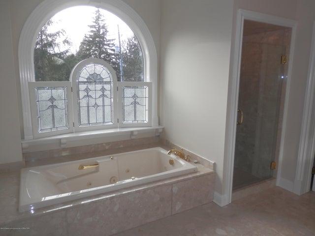 1401 Dennison Rd - Master bathroom - 28