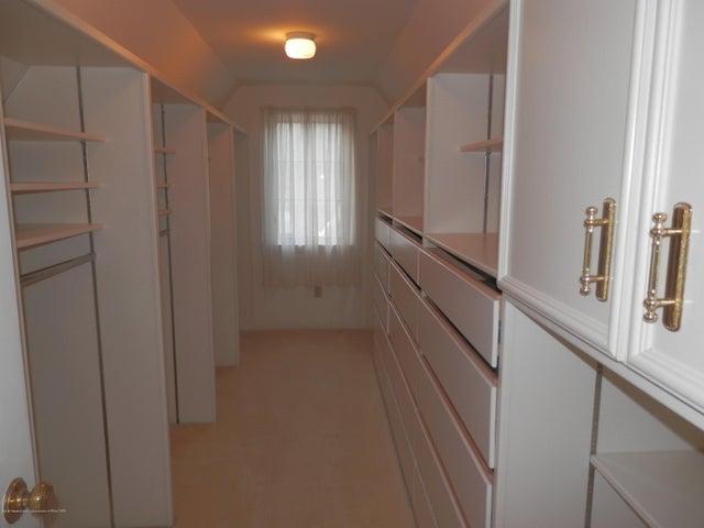 1401 Dennison Rd - Walk-in closet - 29