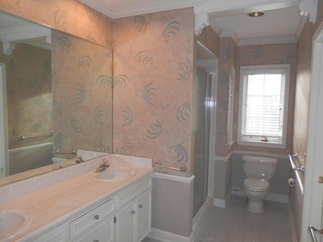 1401 Dennison Rd - 2nd main bathroom - 34