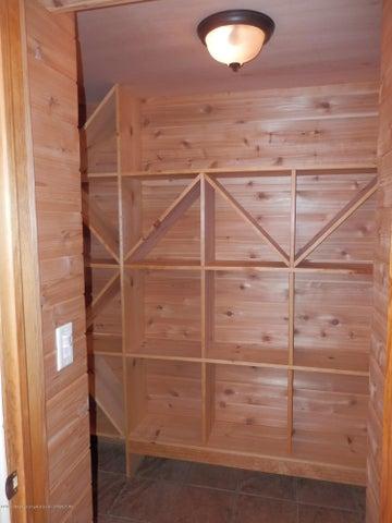 1401 Dennison Rd - Wine storage - 41