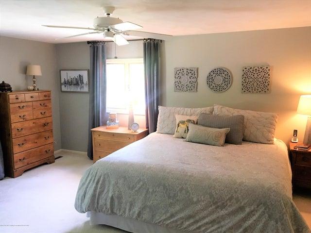 2099 Tamarack Dr - Master Bedroom - 20