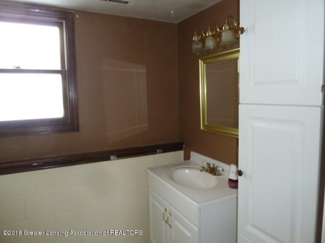 114 Kilkelly St - Bathroom Lower - 13