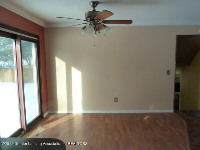 114 Kilkelly St - Dining Room View 2 - 5