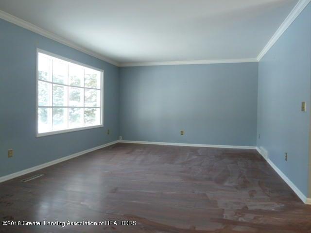 114 Kilkelly St - Living Room - 3