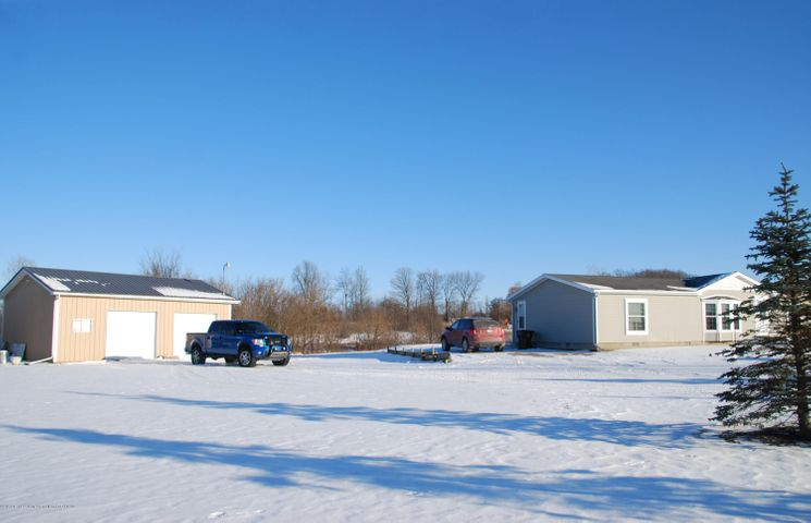 4285 S Ruess Rd - MLS front 2 - 2