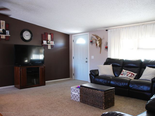 4285 S Ruess Rd - MLS living 4 - 5