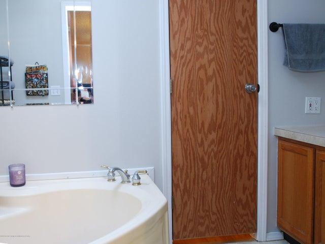 4285 S Ruess Rd - MLS master bath 1 - 13