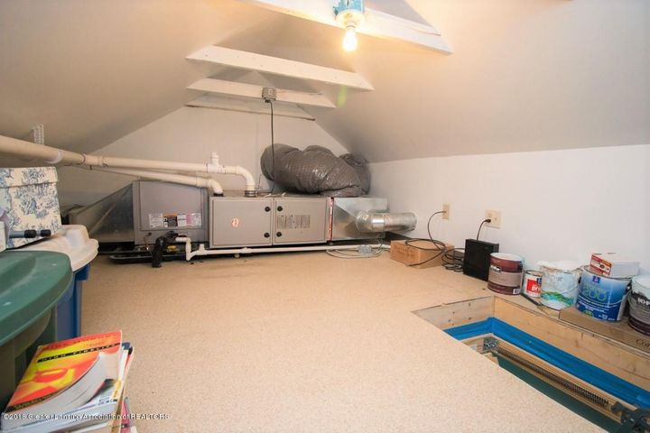 15529 Park Lake Rd - Attic storage - 22