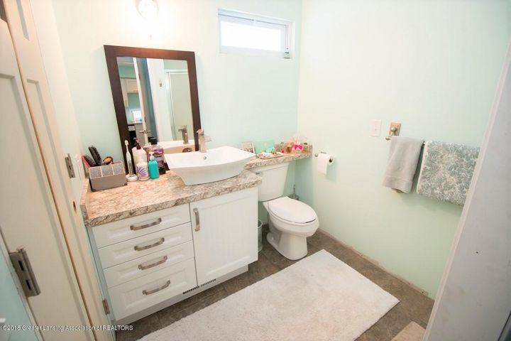 15529 Park Lake Rd - Bathroom 1 - 11