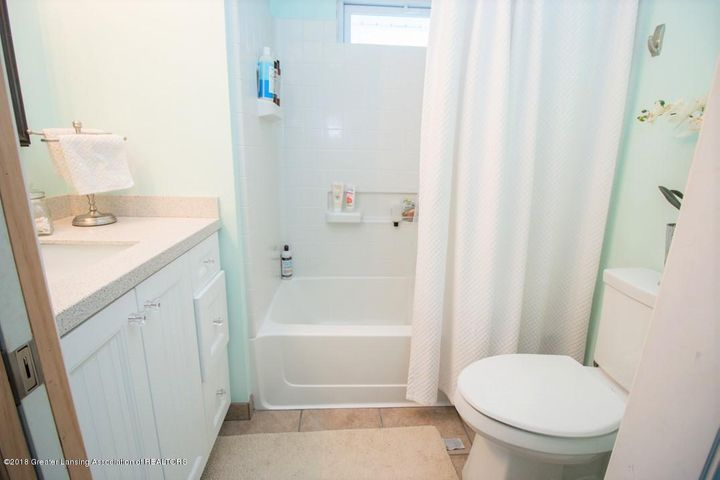 15529 Park Lake Rd - Bathroom 2 - 16