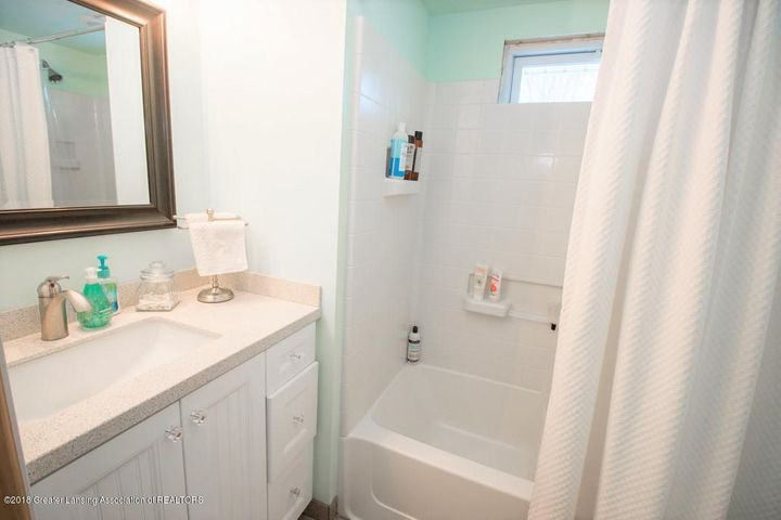 15529 Park Lake Rd - Bathroom 2 - 17