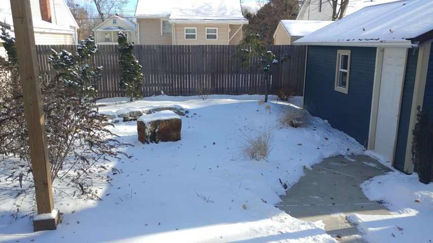 838 Cawood St - Cawood - Backyard from steps - 3