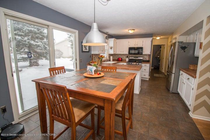 1240 Castlewood Cir - dining-kitchen 1 - 11