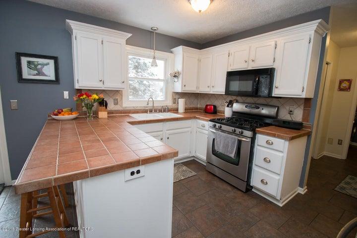 1240 Castlewood Cir - kitchen 2 - 13
