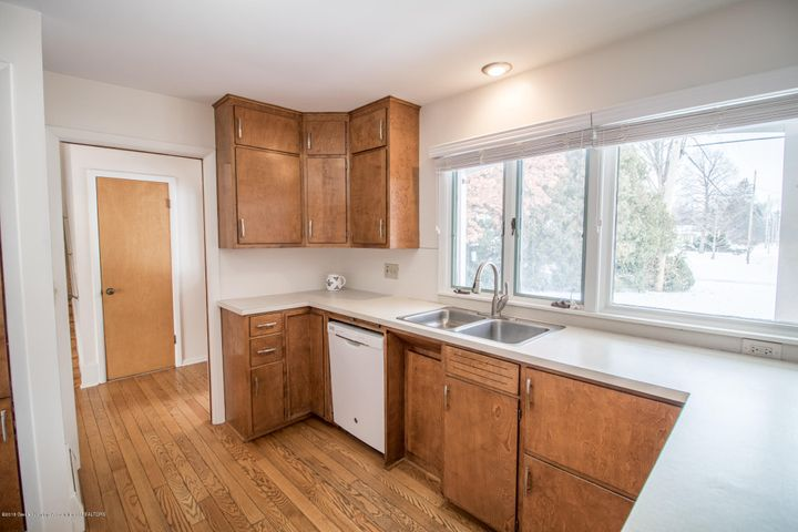 321 Loree Dr - Kitchen - 13