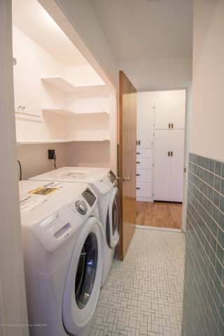 321 Loree Dr - New Washer/Dryer! - 22