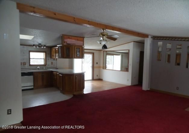 2390 Eifert Rd - LIVING AREA - 2