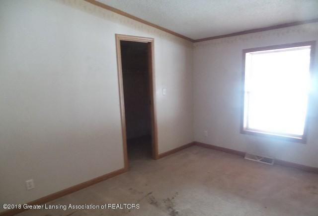 2390 Eifert Rd - BEDROOM1 - 6