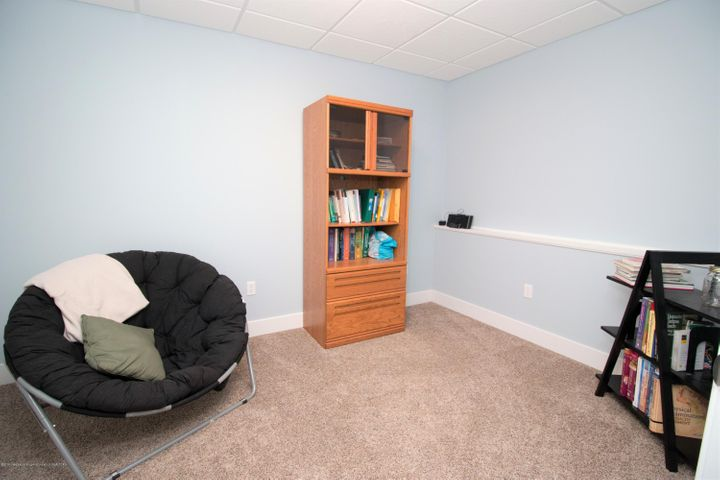 9339 St Clair Rd - Other room 2 - 26