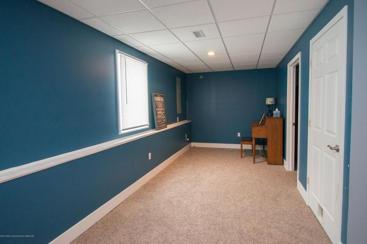 9339 St Clair Rd - Other room 1 - 24