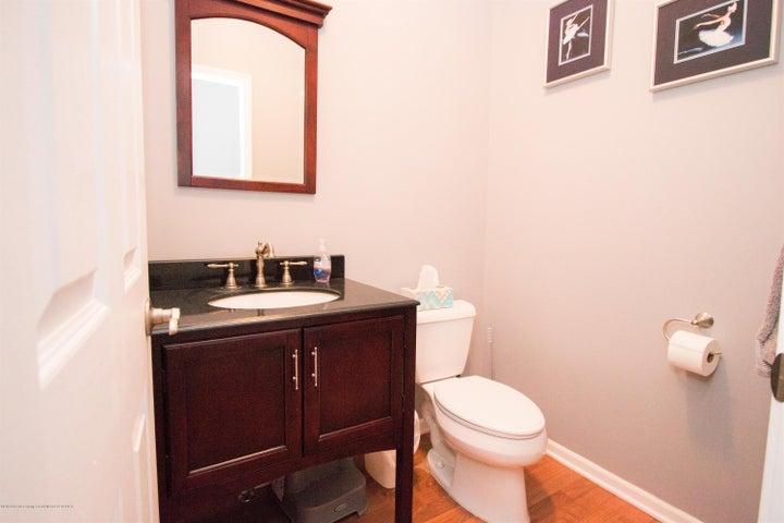 9339 St Clair Rd - Half bath - 17