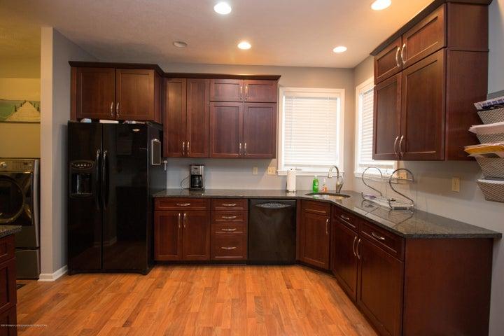 9339 St Clair Rd - Kitchen - 10