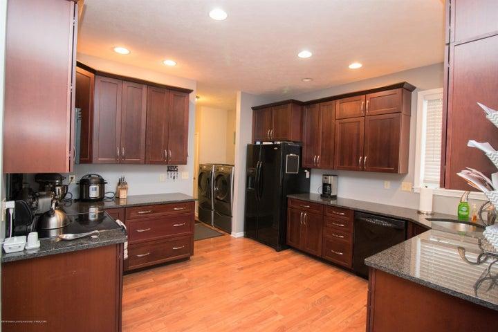 9339 St Clair Rd - Kitchen - 8