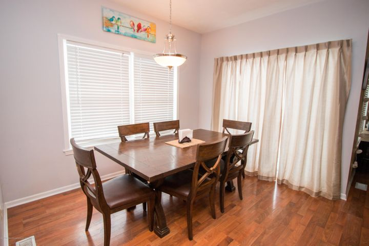 9339 St Clair Rd - Dining area - 6