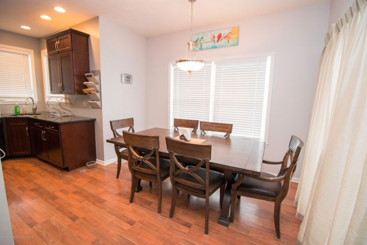9339 St Clair Rd - Dining area - 7