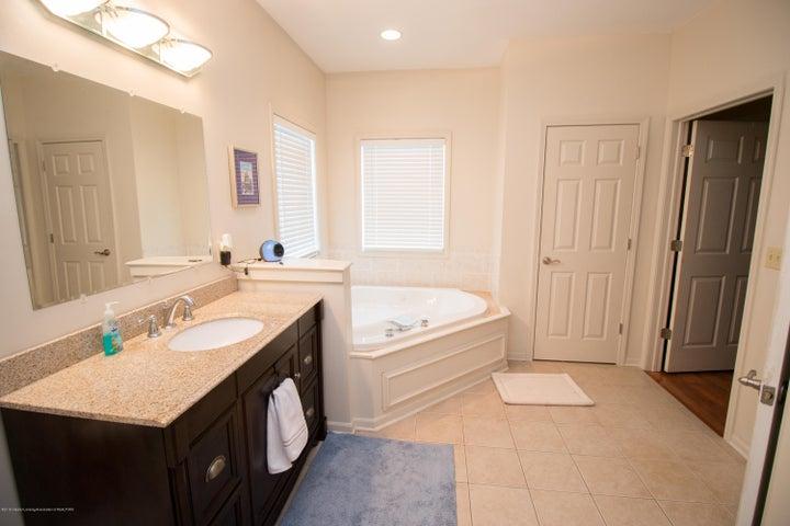 9339 St Clair Rd - Master bath - 14