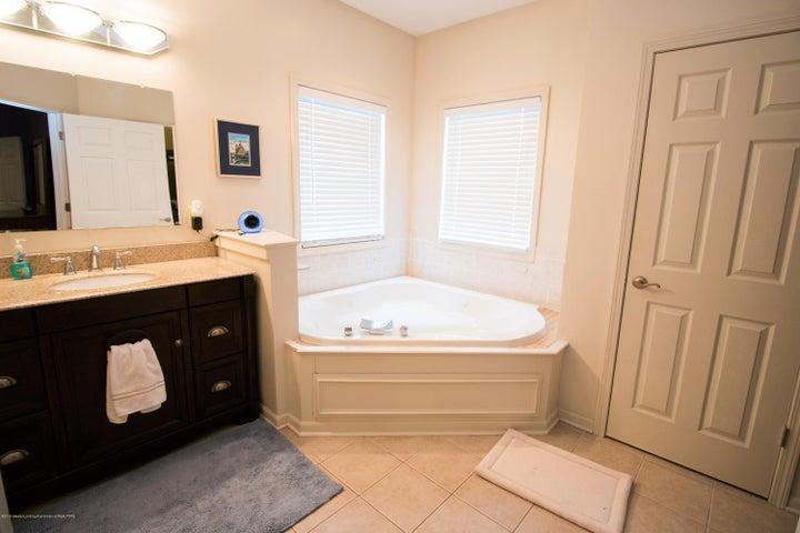 9339 St Clair Rd - Master bath - 15