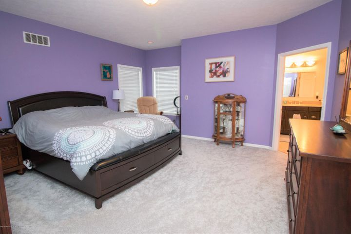 9339 St Clair Rd - Master bedroom - 12