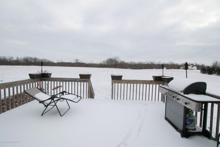 9339 St Clair Rd - Deck area - 32
