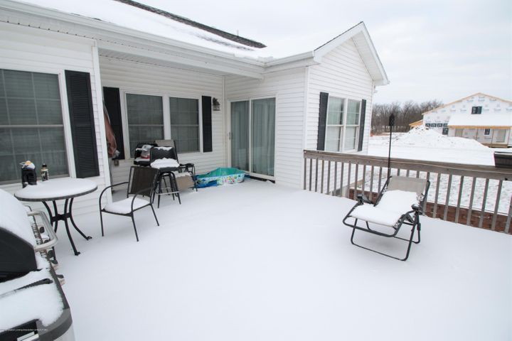 9339 St Clair Rd - Deck area - 33