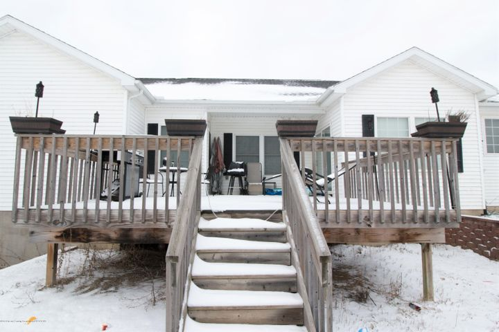 9339 St Clair Rd - Deck area - 34