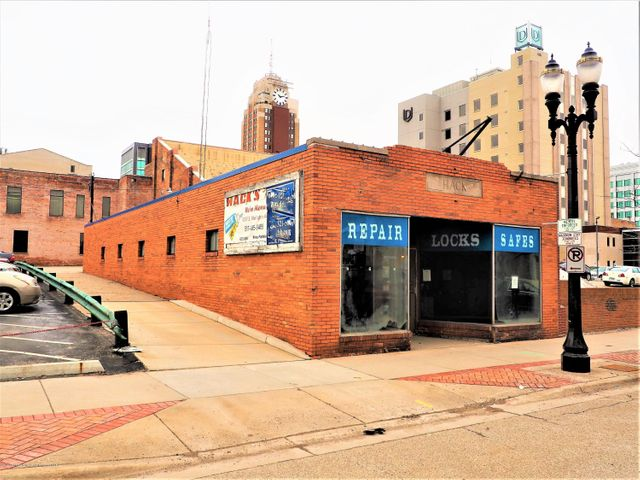 222 S Grand Ave - Front of Building - 1