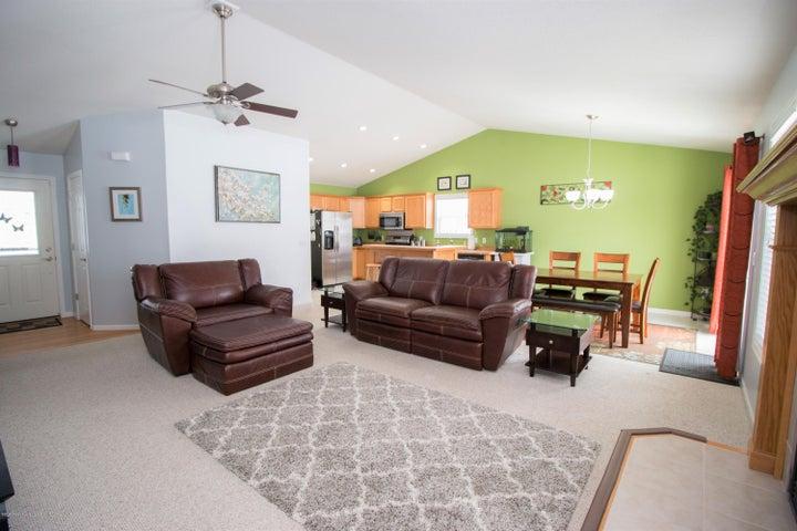 1819 Merganser Dr - Living room - 2