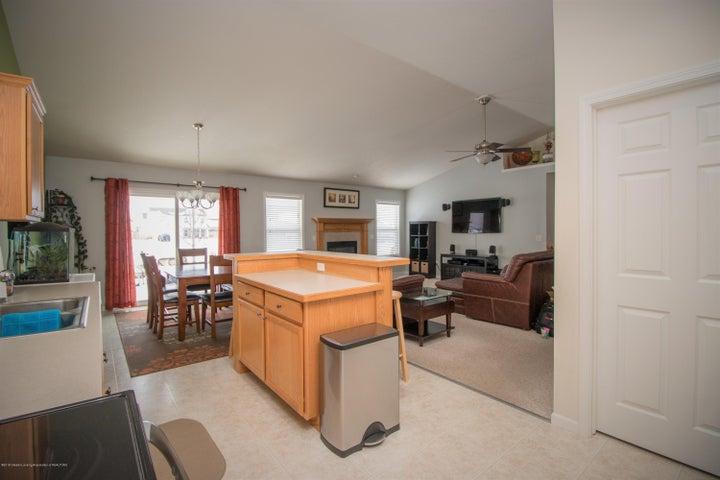 1819 Merganser Dr - Kitchen/Living room - 9