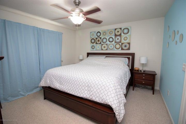 1819 Merganser Dr - Master bedroom - 11