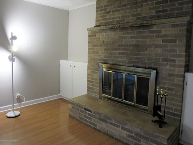 1432 N Harrison Rd - Family Room - 7