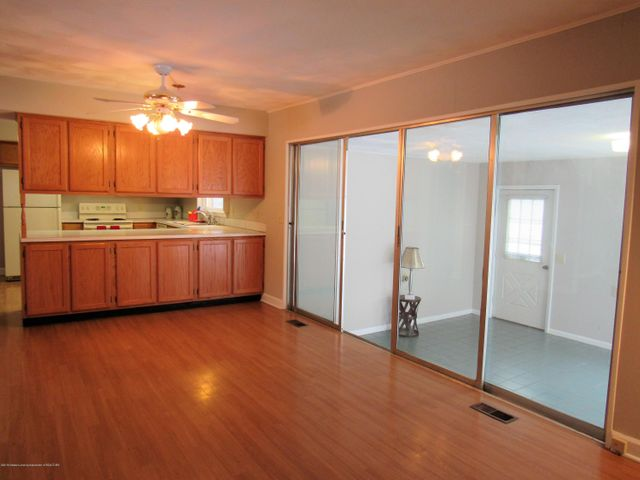 1432 N Harrison Rd - Family Rm/Dining Area - 8