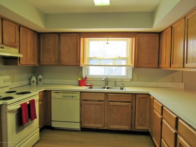 1432 N Harrison Rd - Kitchen - 12
