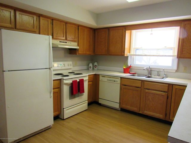 1432 N Harrison Rd - Kitchen View 2 - 13