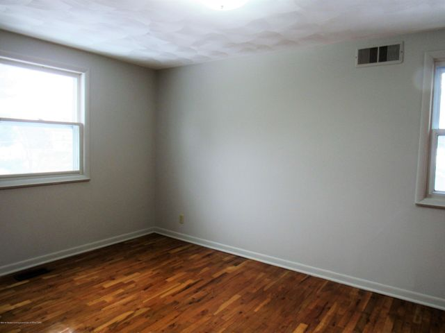 1432 N Harrison Rd - South Bedroom - 27