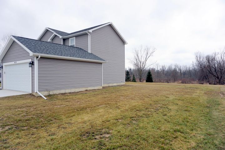 418 N Iris Ln - 1.8 Acres - Side Yard - 5
