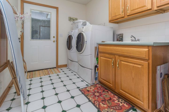 2510 Green Rd - greenlaundry - 17