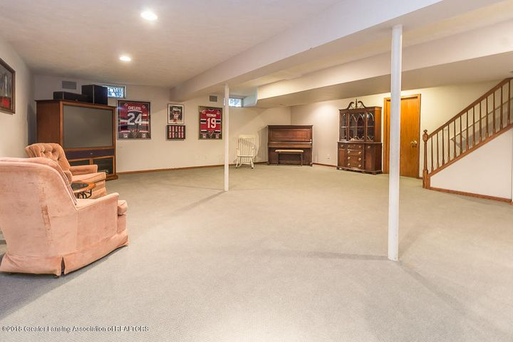 603 Shoreline Dr - Partially finished basement - 30